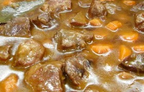 Guiso de Carne con chiles Verdes