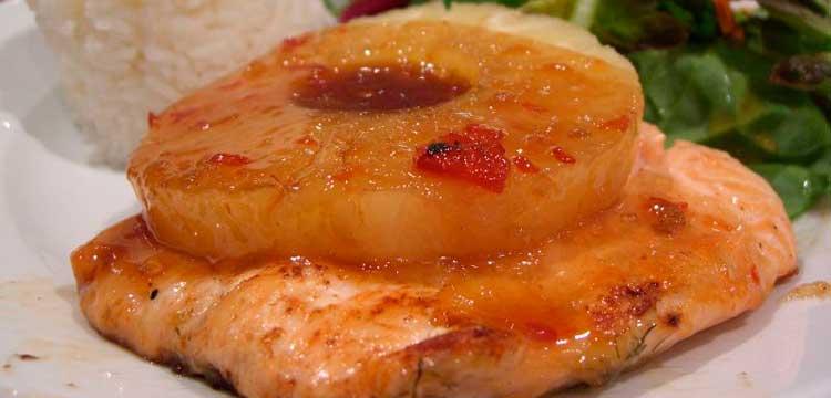 pescado en salsa de piña