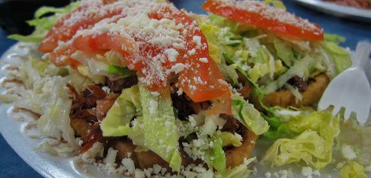 sopes de pollo y chorizo receta mexicana